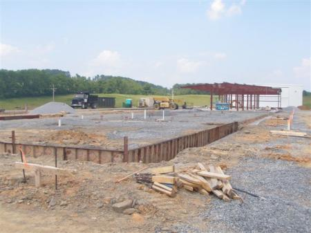 VA_Highlands_Hangar_Being_Built.JPG